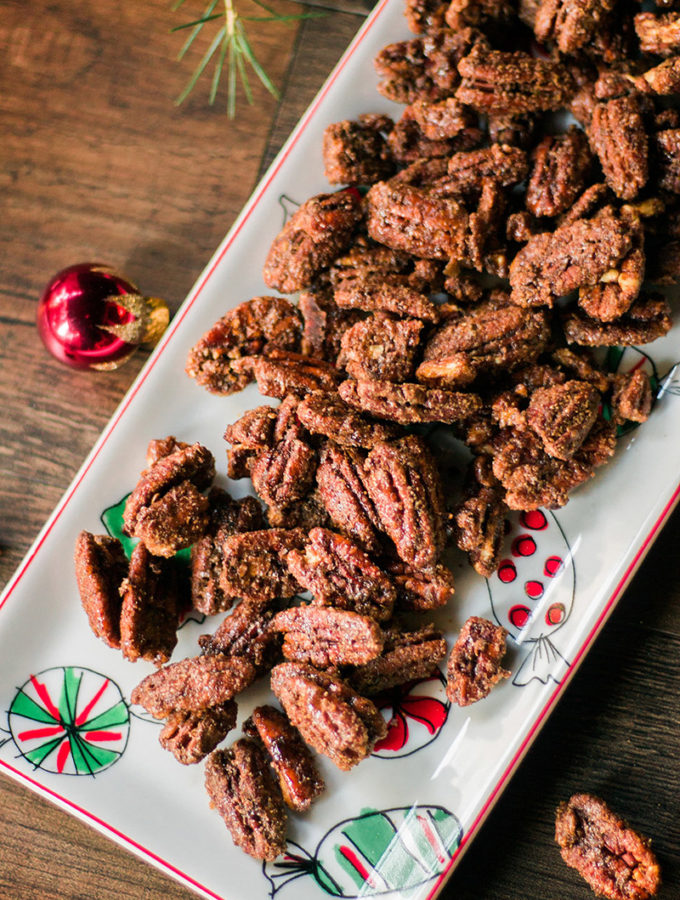 DELICIOUS Vegan Spiced Pecans! Perfect for the holidays, cinnamon, nutmeg, and cardamom SO yummy! #vegan #glutenfree #plantbased #chrismas #holiday #recipe