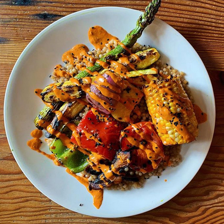 Best vegan resturant in Portland: Aviv
