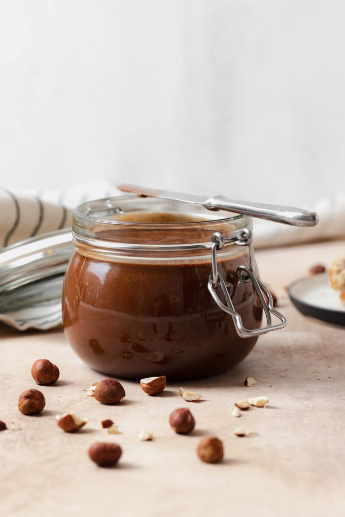 Vegan Recipes For Chocolate Lovers: homemade nutella