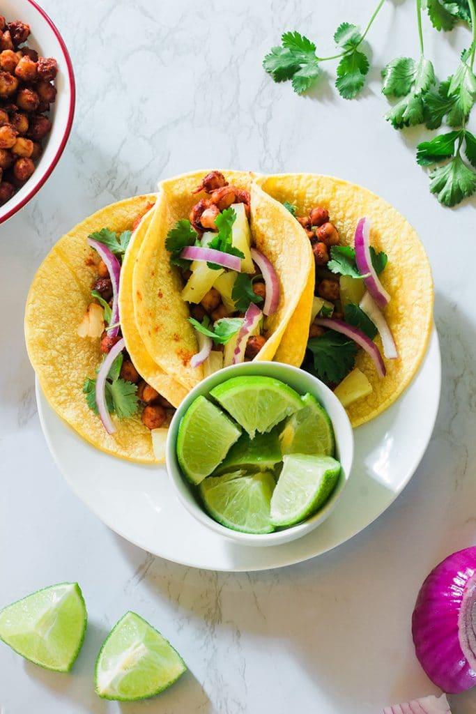 A plate of vegan tacos al pastor